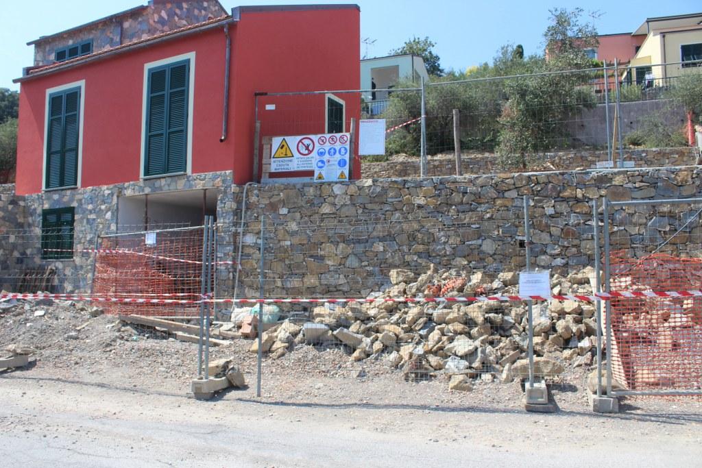 La villetta posta sotto sequestro in zona Capo Berta