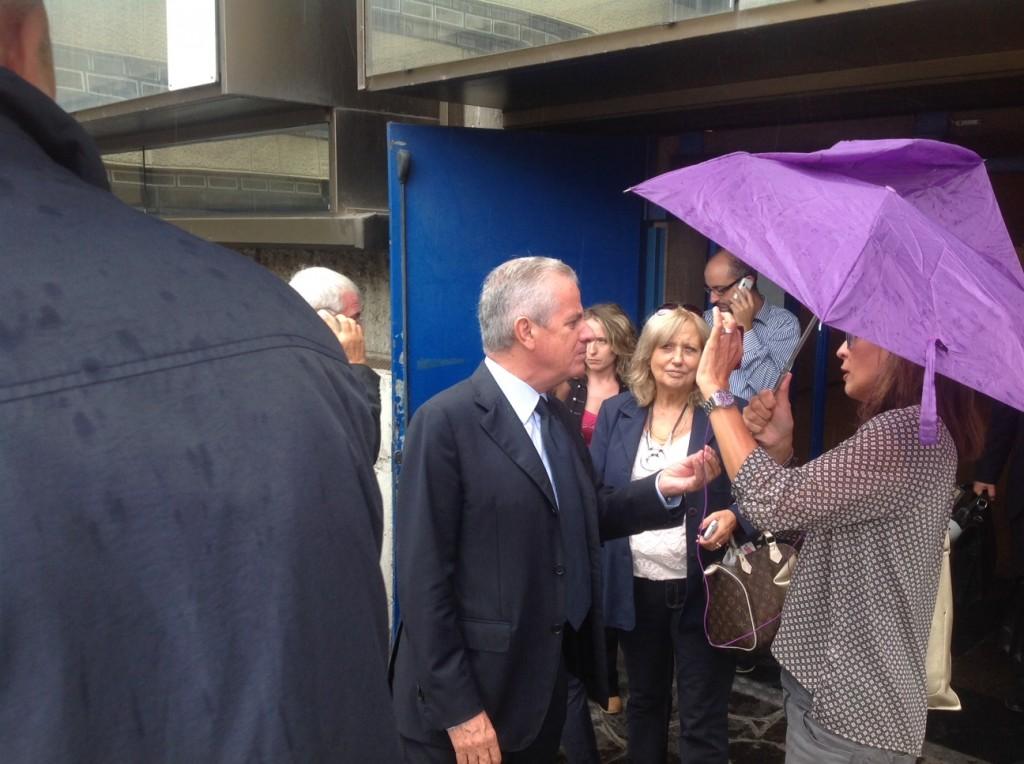 Claudio Scajola fuori dal tribunale di Roma questa mattina