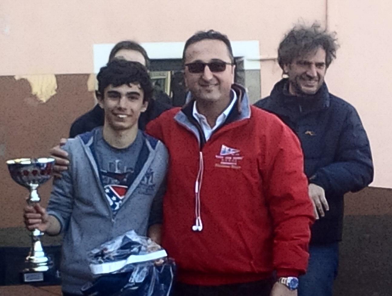 Il vincitore Narciso con il presidente dello Yacht Club Imperia Parlatore