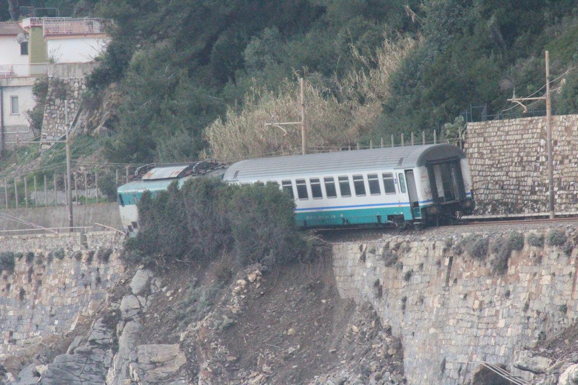 treno deragliato andora vagoni (5)