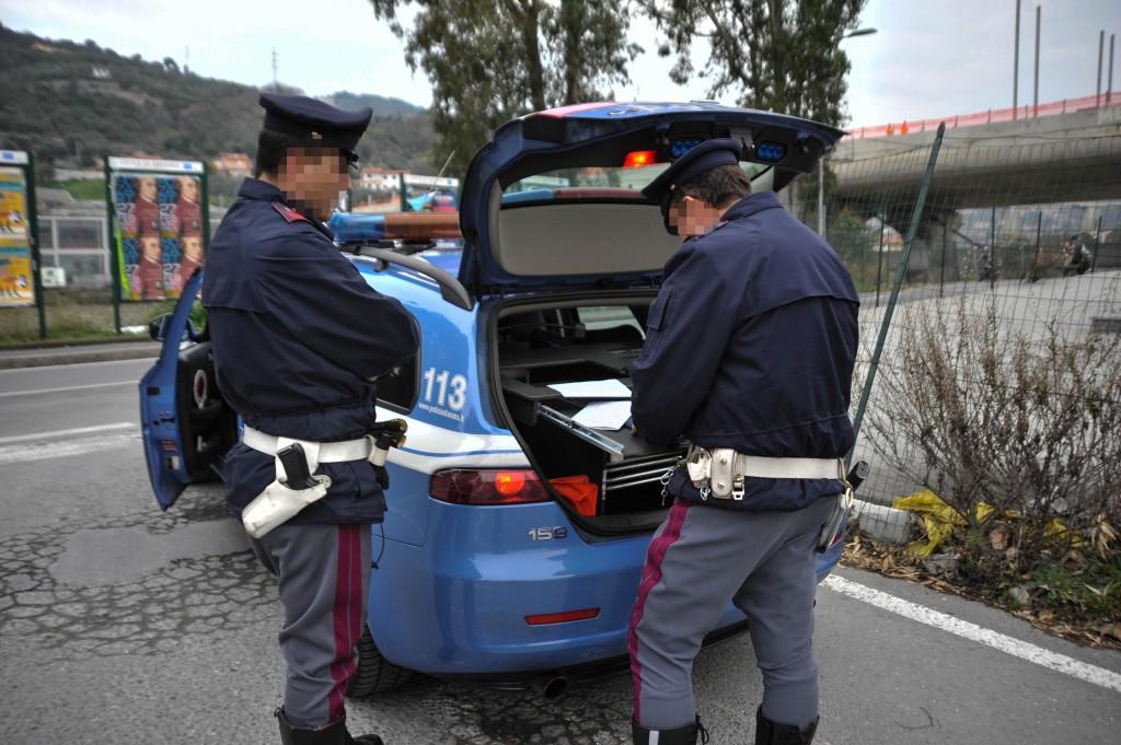 controllo-stradale-polizia-argine-sinistro-imperia-25-2-16-6