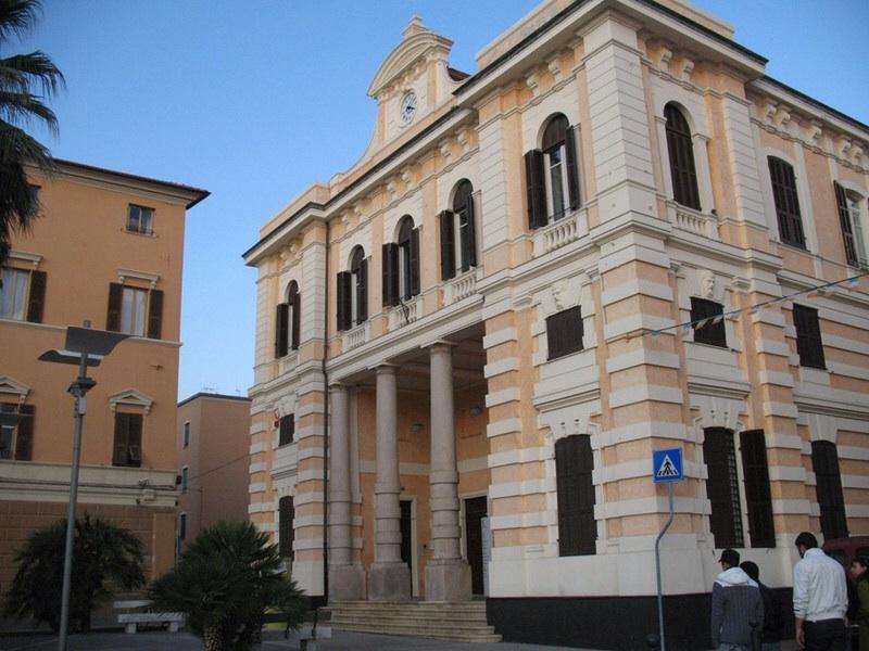 biblioteca civica lagorio