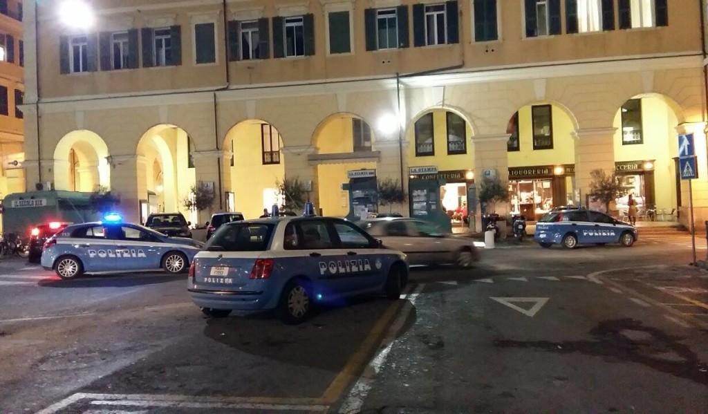 polizia in piazza dante imperia
