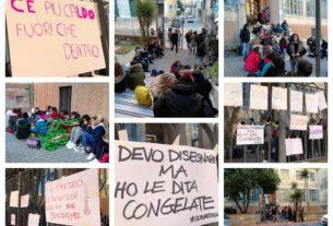 protesta-studenti-scuola-liceo-artistico-cartelli-freddo-imperia-sciopero